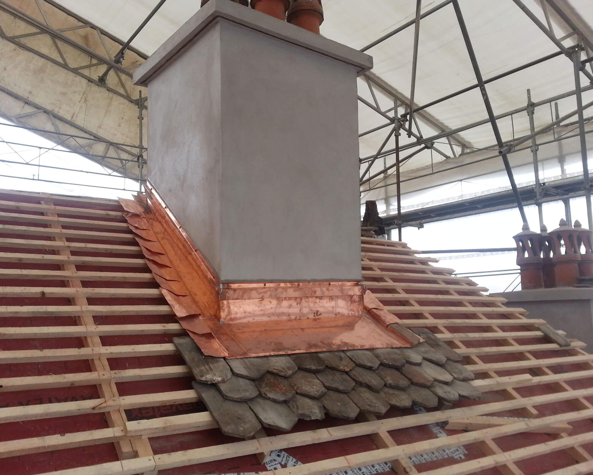 Couverture de cheminée en cuivre - Kroepfli Toiture